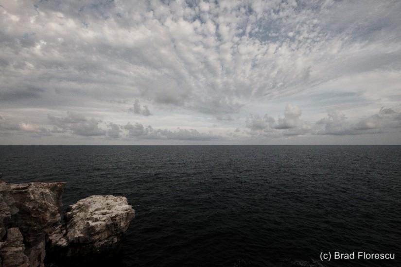 Bulgaria Coast Tyulenovo Black Sea contrails