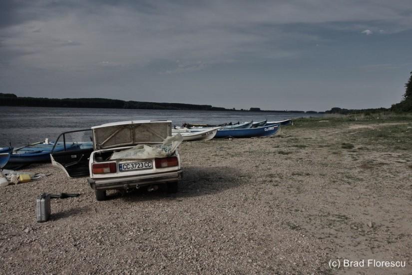 Bulgaria Danube Vetren fishermen 1
