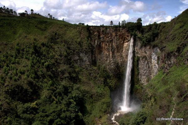 Sipiso-Piso Waterfall Tongging Lake Toba