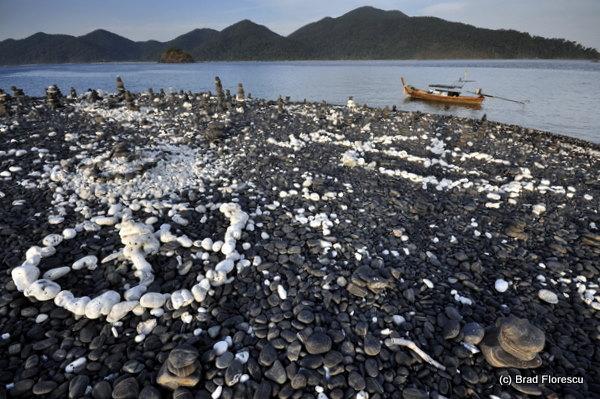 Koh Lipe Koh Hingam pebbles 5