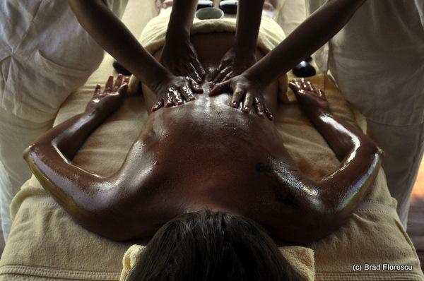Six Senses Samui 4 hands hot stone massage 8