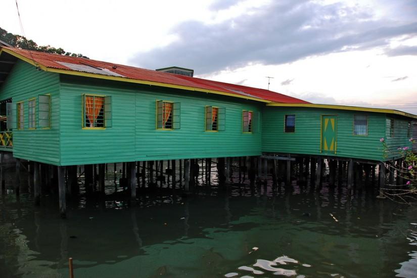 Borneo Sandakan Water VillageDSC_0093