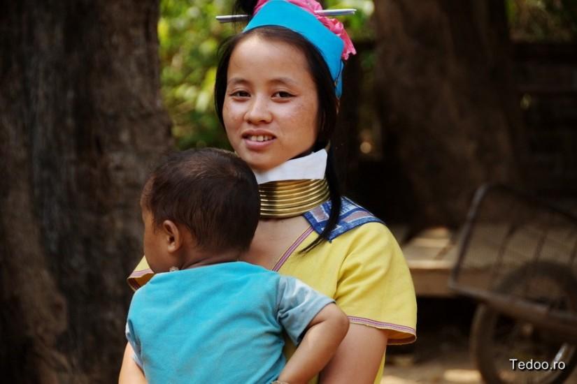Mae Hong Son Thailand North Kakan Karen Long Neck Village 2