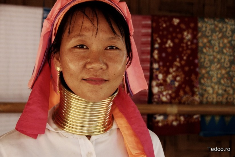 Mae Hong Son Thailand North Kakan Karen Long Neck Woman 8