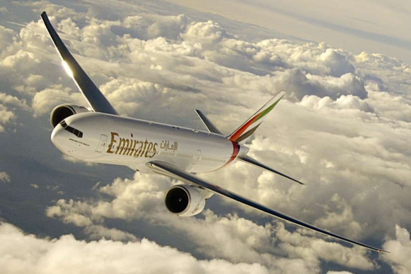 Emirates_airlines_plane