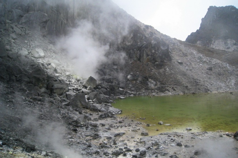 Sumatra vulcan activ Sinabung drumetie