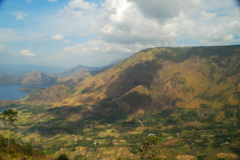 Lake Toba, view from Tele