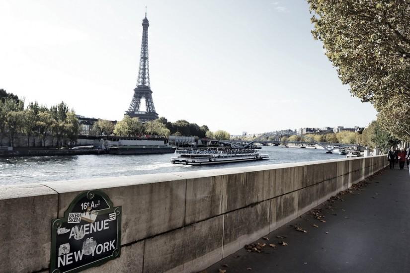 Paris Turnul Eiffel New York Boulevard