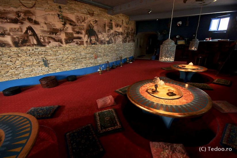 Enisala Safari Village. Salonul Otoman.
