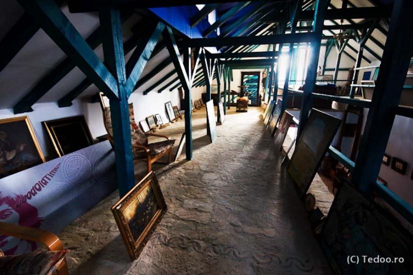 Enisala Safari Village. Muzeul de arta.
