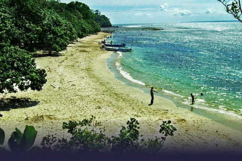 Insula Layang Layang, arhipelagul Spratly.