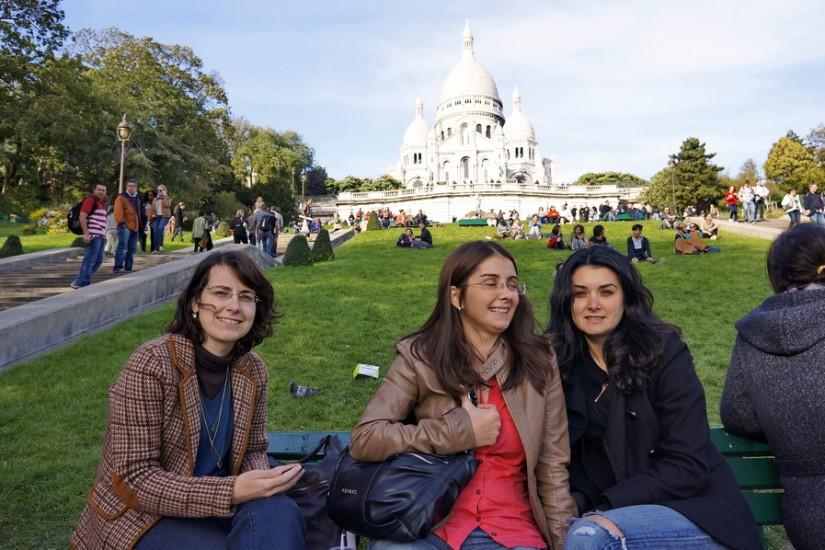 Paris Români