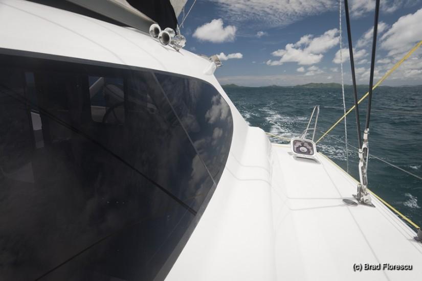 O barca iute ca vantul, zice Capitanul John.