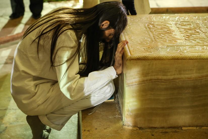 Omagiu în faţa sarcofagului de alabastru al poetului