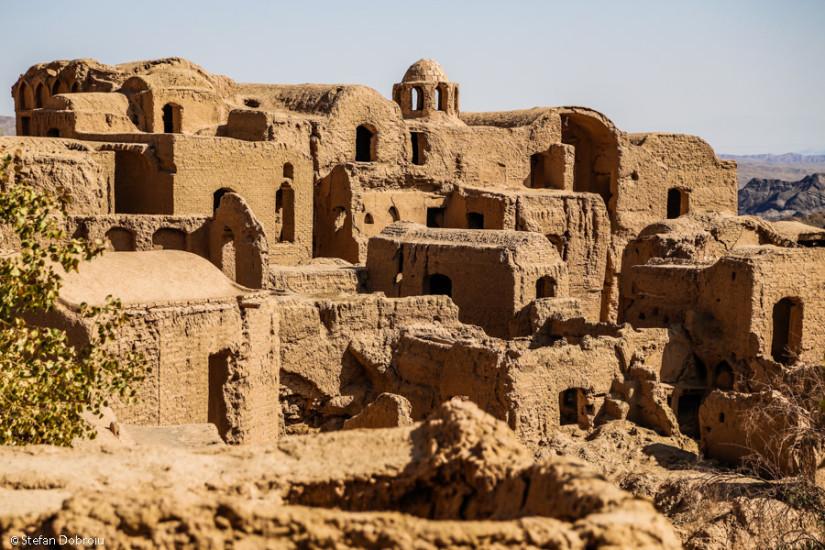 Anticul oraş Kharanaq, acum în ruine