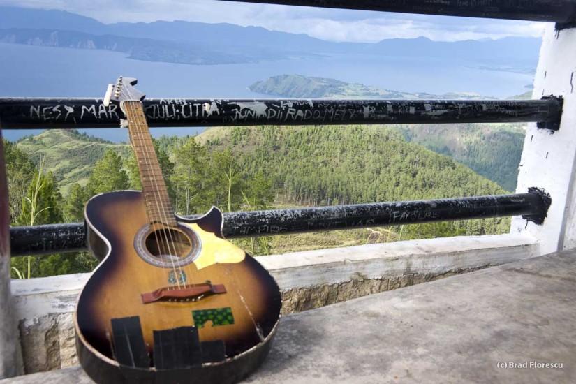 Lacul Toba Indonezia chitara