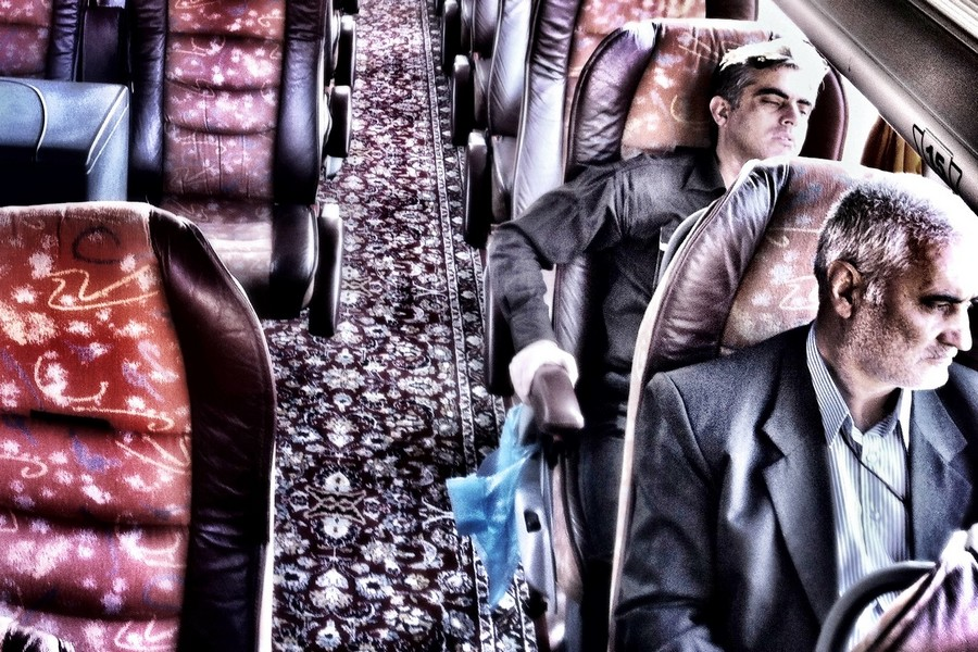 Oameni Iran autobuz