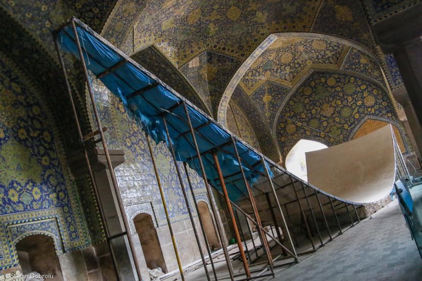 Moscheea Regală. Sală în renovare, numai bună pentru competiţii de skating