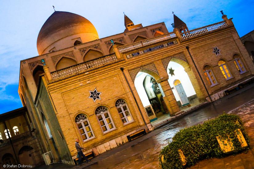 Biserica ortodoxă Vank, centru religios al încercatei comunităţi armene din Iran.