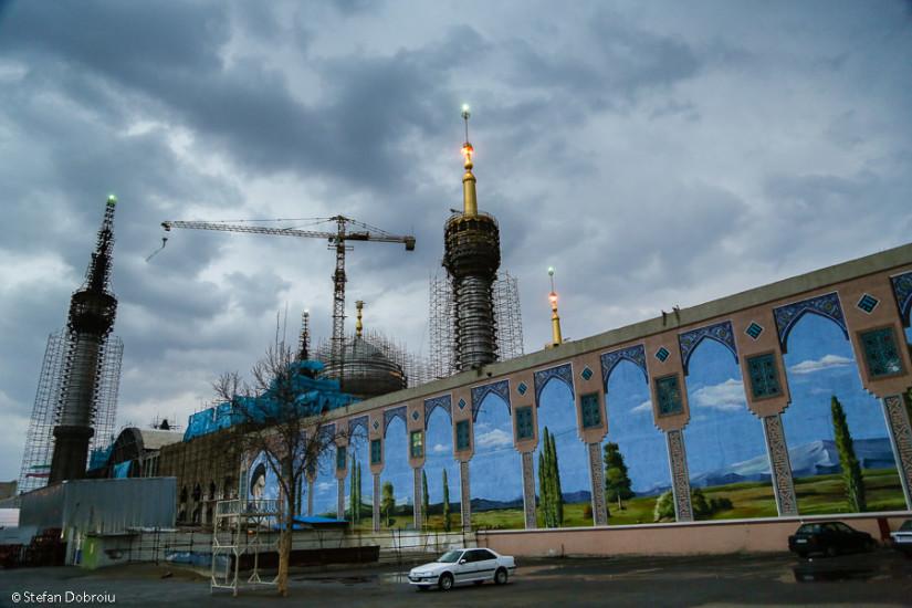 Parcarea din faţa mausoleului: ultima imagine surprinsă în Iran
