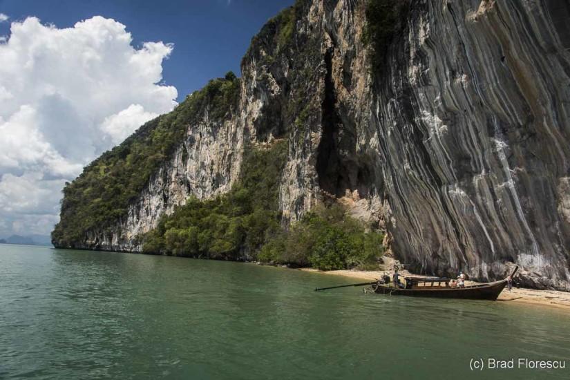Plaja Cățărătorilor e un alt loc pe care o să-l găsești pe lângă insula Pui