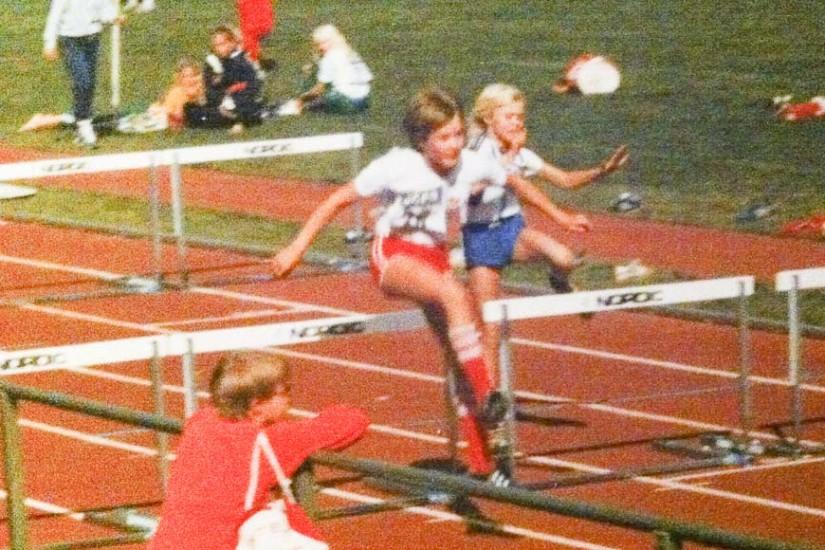 Yvette în 1986 la calificările pentru proba de 60 de metri garduri, pe care urma să o câștige.