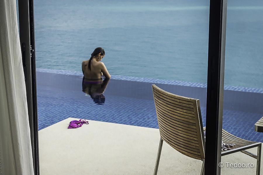 Ocean View Pool Villa. Model: Elena Stanciu. Foto: Brad Florescu. Echipament: SONY A7.